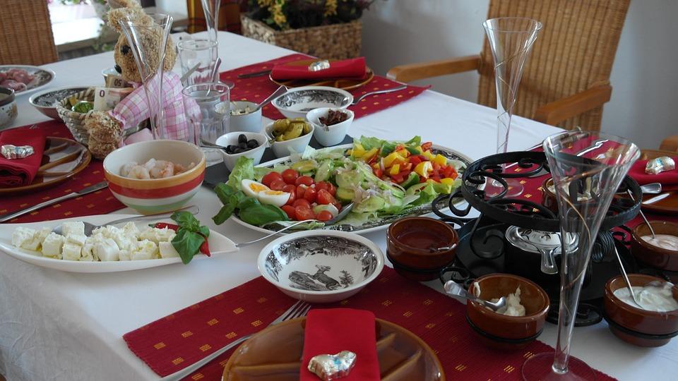 Regelmäßige Mahlzeit essen für den Stoffwechsel