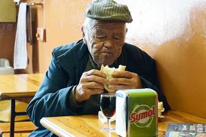Gesunde Ernährung für alte Menschen und Senioren